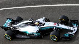 Här är Bottas och Hamiltons nya bil!