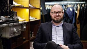 Tuomas Enbuske, promobild för Fem fenomen i arbetslivet