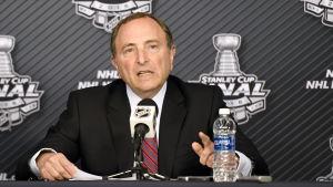 Gary Bettman talade med media inför NHL:s första finalmatch mellan Pittsburgh och San Jose.