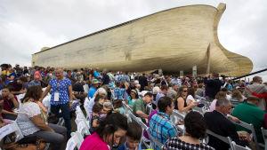 En kristen grupp har byggt Noaks ark i Williamstown i Kentucky.