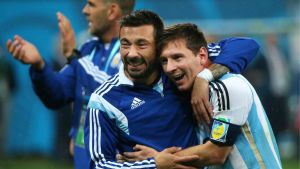 Ezequiel Lavezzi och Lionel Messi firar under fotbolls-VM 2014.