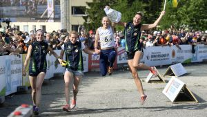 Alfta-Ösa OK firar segern i Venlakavlen