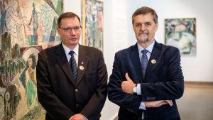 Tryggve Gestrin och Matias Uusikylä på morfar Lennart Segerstråles utställning på Ateneum.