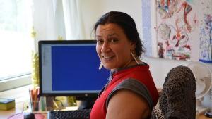 Nädia Radi på södra familjerådgivningen i Esbo