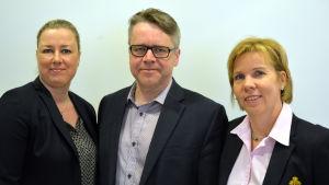 Jutta Urpilanen (SDP), Peter Östman (KD), Anna-Maja Henriksson (Sfp)