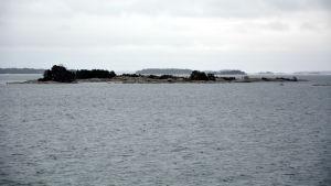 Vy över skärgårdshavet från landsvägsfärjan Aura mellan Iniö och Gustavs.