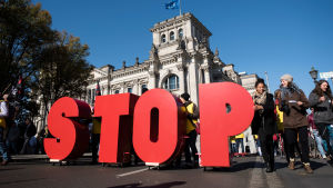 Protest mot handelsavtal i Berlin.