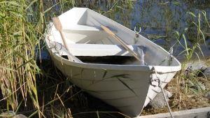 En roddbåt