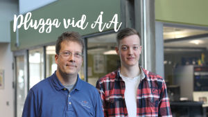Lektor Johan Lindén och studerande Benjamin Granroth