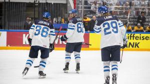 Jussi Jokinen, Aleksander Barkov och Patrik Laine kan bilda Finlands förstakedja i World Cup.