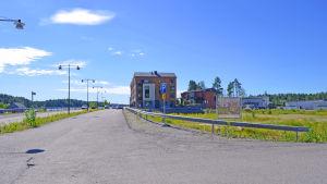 Bostadsområdet Sibbostrand skulle bestå av 250 bostäder 2016 - nu blir troligen klart först 2021.