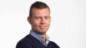 Kaj Backman är porgramchef på Yle Radio Vega och Yle X3M.