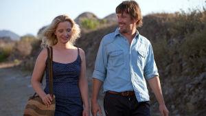 Julie Delpy ja Ethan Hawke elokuvassa Rakkautta ennen keskiyötä