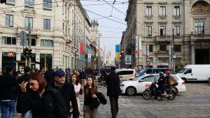 I gatubilden syns Expo Milano 2015 på alla ställen.