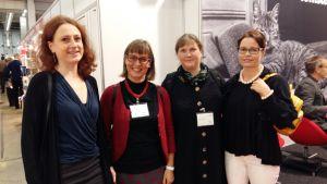 Anna Dönsberg, Marit Lindqvist och två författare på bokmässan i Helsingfors 2015.