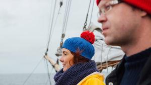 Antti Huttunen ja Reetta Ranta kaljaasi Ingalla matkalla Bengtskäriin.