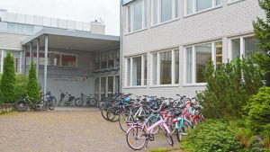 Högstadiet och gymnasiet i Grankulla