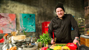 Villen keittiö 30 minuutissa, kuvassa Ville Haapasalo.