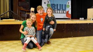 En av höjdpunkterna för Emilia och Linnea var att få träffa BUU-klubbsledarna Hanna och Staffan.