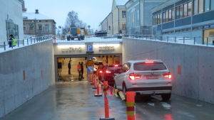 Parkeringen under torget i Jakobstad invigdes