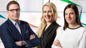 Puoluepäiviä juontavat Jan Andersson, Marja Sannikka ja Kirsi Heikel.