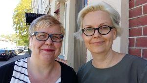 Barnlitteraturforskarna Mia Österlund och Maria Lassén Seger