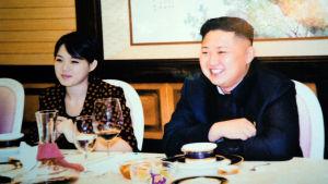 Kim Jong-Un johtaa isältään perimäänsä Pohjois-Koreaa itsevaltiaan ottein.