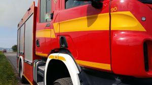 Närbild av brandbil.