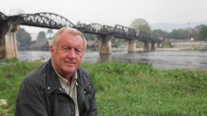 Brittitoimittaja Chris Tarrant tutustuu haastavissa olosuhteissa kulkeviin junareitteihin.