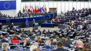 Jean-Claude Juncker i talarpodiet.
