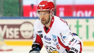 Markus Kankaanperä på isen.
