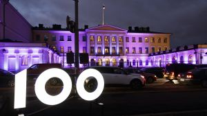 Presidentens slott i jubileumsbelysning den 4 december