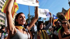 Katalonian itsenäisyysjulistus huipentui koko itsehallinnon menettämiseen ja oman aluejohdon vangitsemiseen.