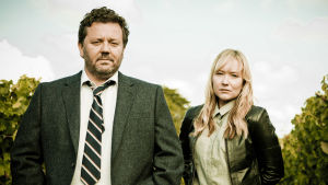 Uusiseelantilaissarjan komisario Mike Shepherd setvii pikkukaupungin rikoksia. Päärooleissa Neill Rea ja Fern Sutherland.