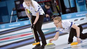 Oona Kauste and Tomi Rantamäki inleder Finlands vinter-OS-insats med mixeddubbel i curling.