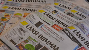Flera nummer av tidningen Länsi-Uusimaa.