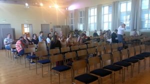 Åhörare i Festsalen i Nickby.