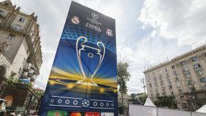 Reklam för Champions League-finalen i Kiev.