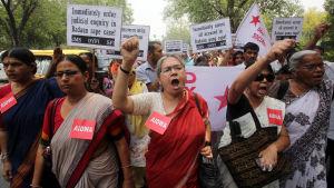 Protest mot våldtäkter i Indien.