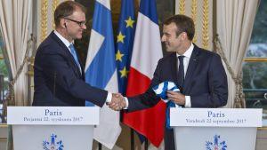 Finlands statsminister Juha Sipilä och Frankrikes president Emmanuel Macron träffades i Elyséepalatset i Paris den 22 september 2017.