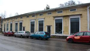 Huset på Drottninggatan 14 i Lovisa står tomt.