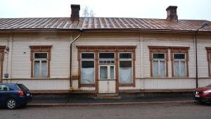 Tomt hus på Drottninggatan 12 i Lovisa.