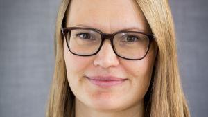 Porträttbild på Lisa Laun, forskare vid IFAU vid Uppsala Universitet.
