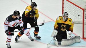Kanadas Brayden Schenn gjorde mål efter bara 20 sekunder mot Tyskland i ishockey-VM 2018.