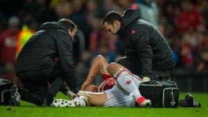 Zlatan Ibrahimovic skadade sig illa i slutskedet av matchen mot Anderlecht.