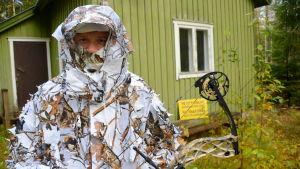 Anton Lindborg i kamouflage för vinter.
