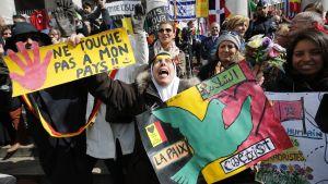 Över 10 000 deltog i manifestationen mot hat och terror i Bryssel.