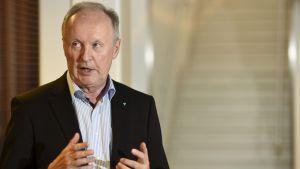 Vd:n för Helsingfors och Nylands sjukvårdsdistrikt Aki Lindén på Mejlans sjukhus den 11 oktober 2017.