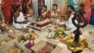 Brudparet vid en tamilbrahmanskt bröllop