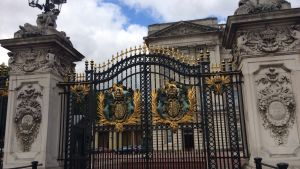 porten vid buckingham palace